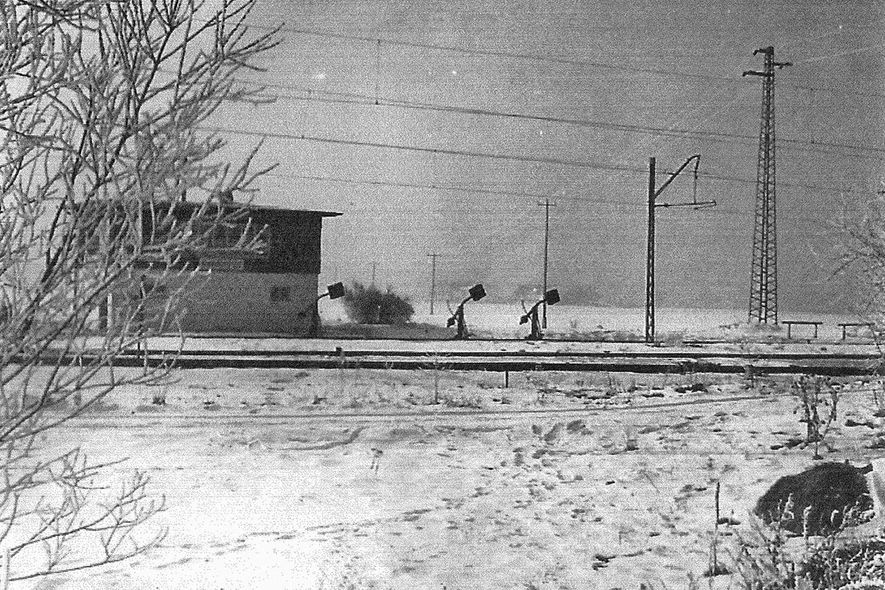 Ehemaliges Stellwerk am Bahn-Nordring in Unterfoehring, 1940